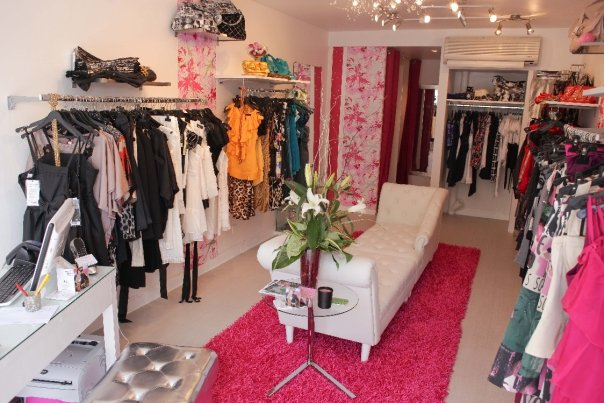 fashion's queen boutique photo