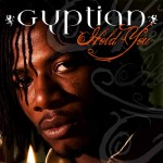 New Gyptian, « Hold You » le clip